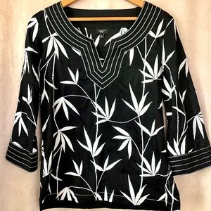 TALBOTS BLACK N WHITE TUNICK PALM EMBROIDERY TOP